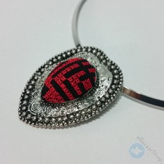 Red heart embroidery necklace