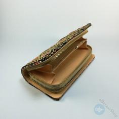 محفظة مطرزة نسائية - أسود وذهبي