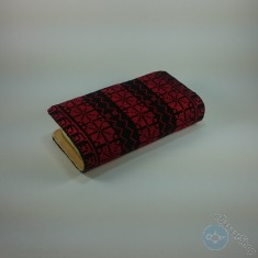 محفظة مطرزة نسائية - لون أحمر غامق