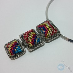 Colorful handmade necklace - Embroidery