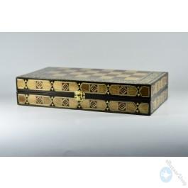 طاولة الزهر, الشطرنج الخشبية القيمة - موزاييك (وسط)
