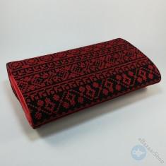 محفظة مطرزة نسائية - لون أحمر